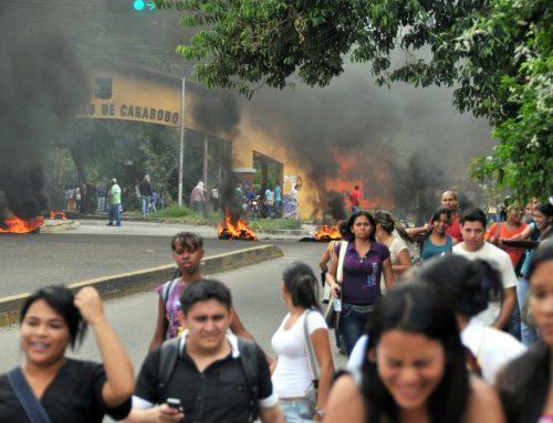 Reportan enfrentamiento de GNB con encapuchados en el Arco de Bárbula