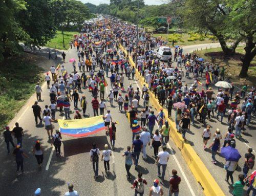 Marcha en Carabobo toma la Autopista del Este