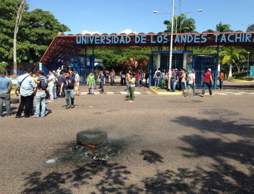 Reportan ocho estudiantes de la ULA heridos por fuerte represión policial