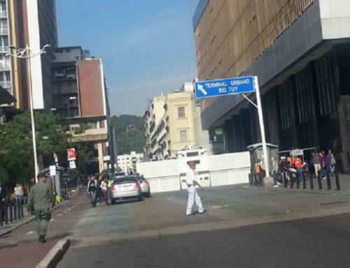 Cierran accesos a sede de la Asamblea Nacional