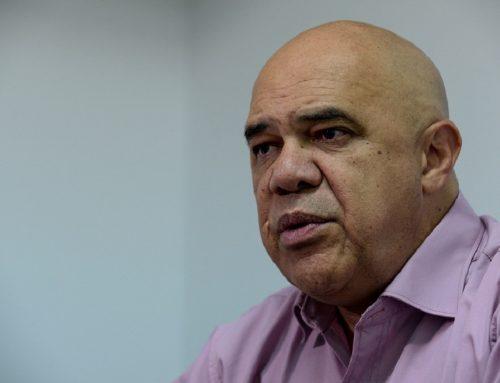 Torrealba: Venezuela es el único país del mundo donde los pobres lamentan un aumento de sueldo