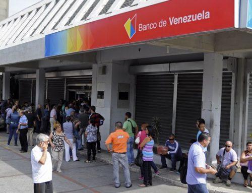 GNB retuvo a periodista de El Pitazo, Bianile Rivas por tomar fotografías a la cola de un banco