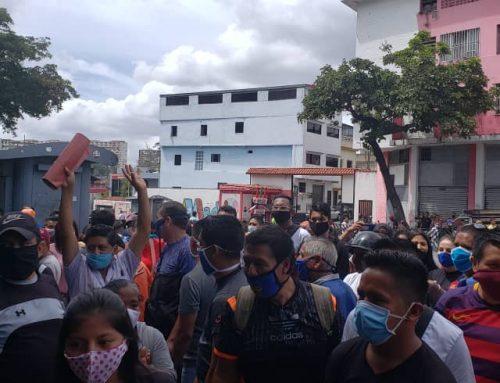 Diputado ecuatoriano Juan Flores: alcaldía de Libertador impidió arbitrariamente que ecuatorianos en Venezuela trabajen Se alistan para ejercer su derecho a la protesta frente a la sede de la institución